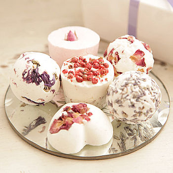 diy-bath-bombs---you-can-add-colouring-and-essential-oil-for-different-scents